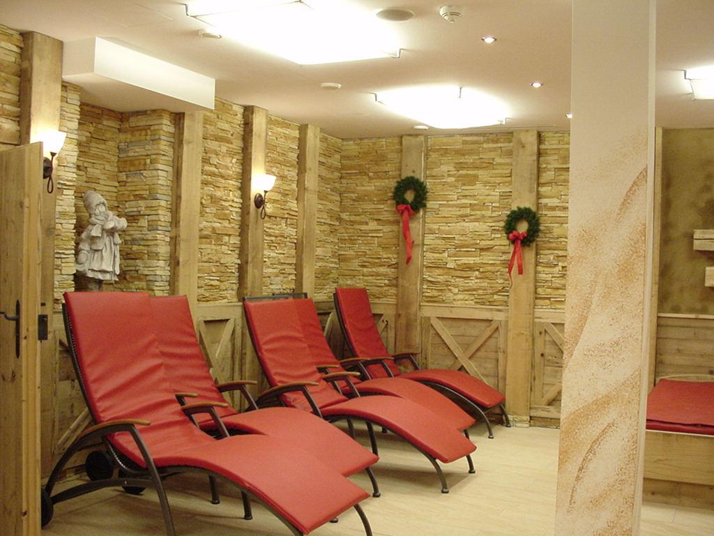 Steinwand Wohnzimmer Verlegen ~ brimob.com for .