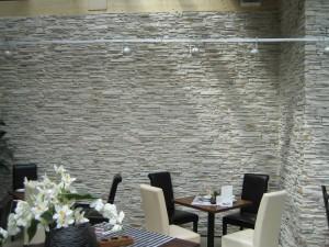 Steinwand-Versailles-Restaurant-6.jpg