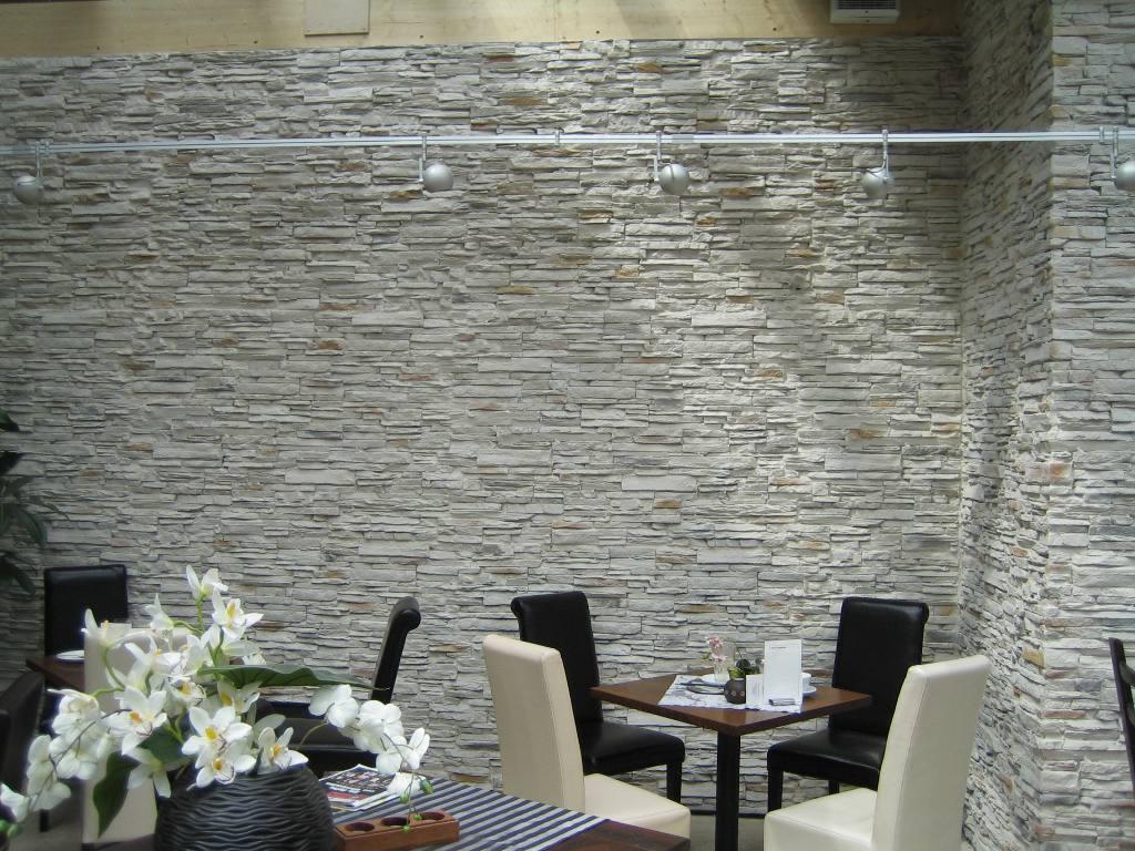 Steinwand wohnzimmer kamin – midir